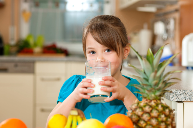 How to Encourage Children to Go for Healthy Snacks